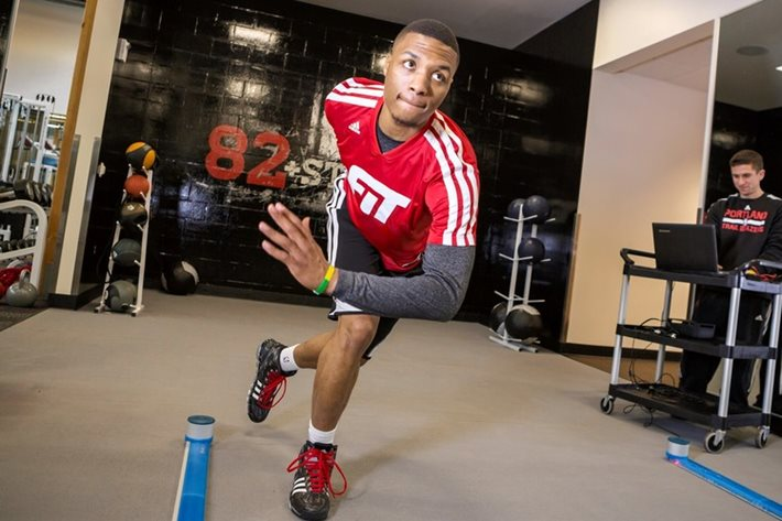 Damian Lillard does a side-to-side movement within OptoGait sensors